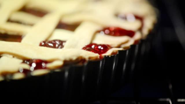 pie in oven - nadziewany placek filmów i materiałów b-roll