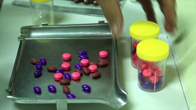 Pille-Medizin. – Video