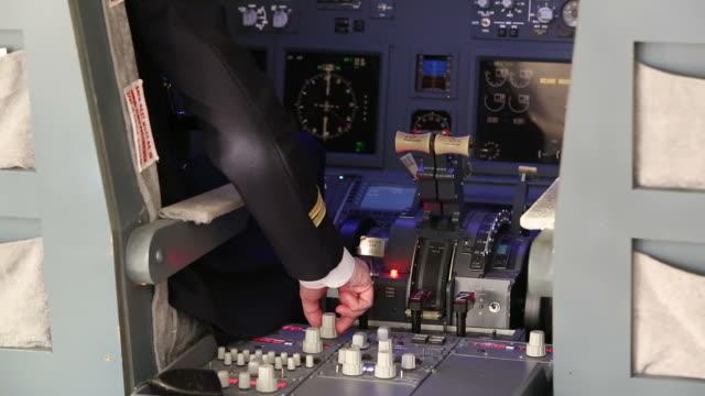 HD: Pilot Ready to Land video