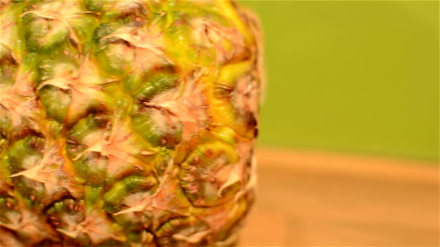 Pineapple video