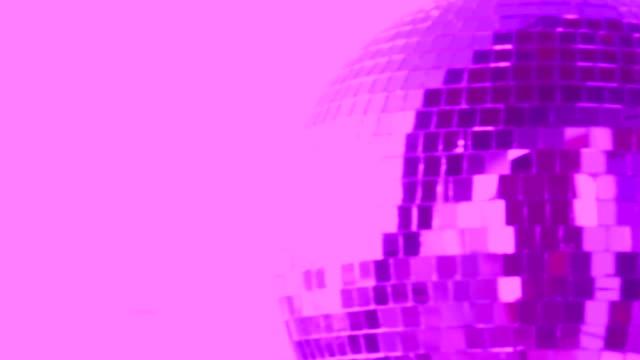 vidéos et rushes de boule de disco rose - image teintée