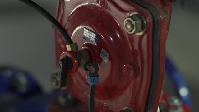 rör anslutningar vatten - barometer bildbanksvideor och videomaterial från bakom kulisserna