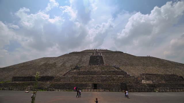 piramide del sol in teotihuacan time lapse