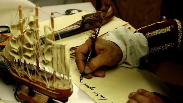 海賊スライターの紙 - ハロウィーン点の映像素材/bロール