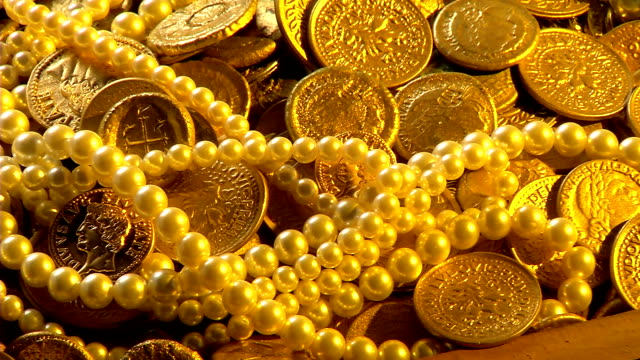 Pirates gold coins video