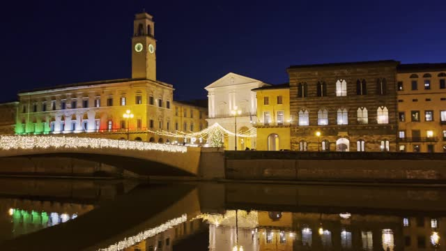 pisa by night with christmas light