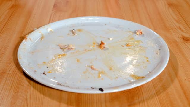 vidéos et rushes de disparition de pizza - aliment en portion