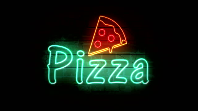 pizza neon sign - неон стоковые видео и кадры b-roll