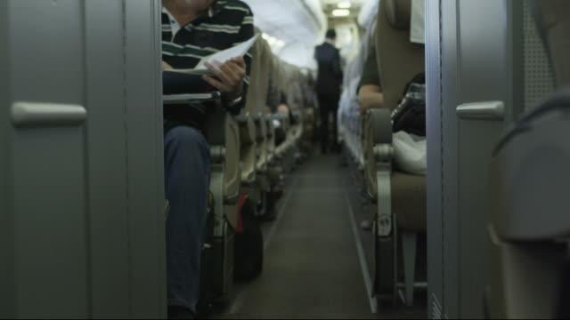 버즘 객실 - airplane seat 스톡 비디오 및 b-롤 화면