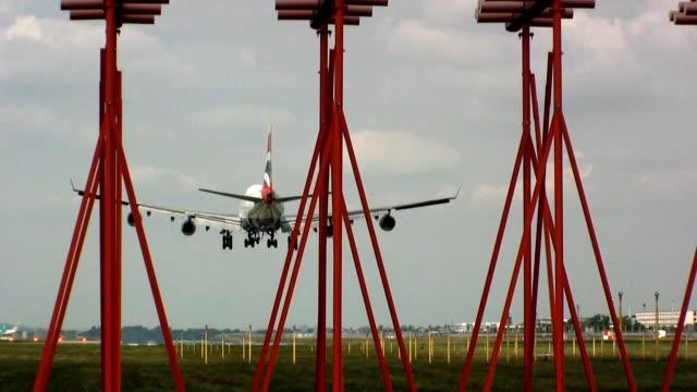 samolot lądowania - lądować filmów i materiałów b-roll