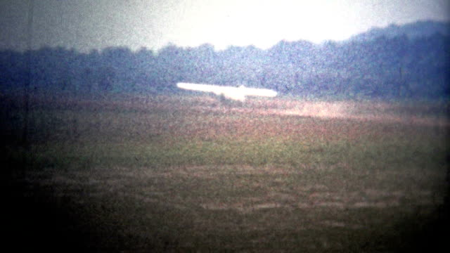 AMITYVILLE, NY. USA  - 1954: Planes landing at the exclusive Zahn's private airport. video