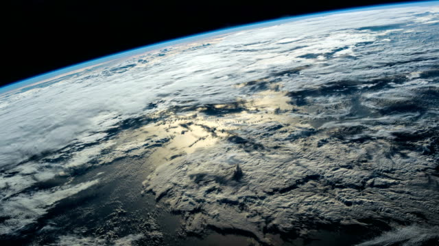 vídeos de stock e filmes b-roll de planet earth at night seen from the iss. elements of this video furnished by nasa. - clima
