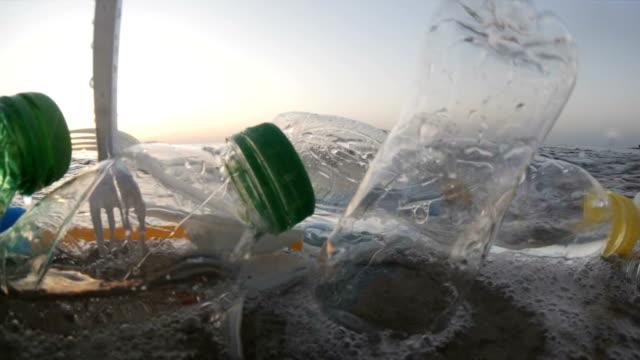 förorening av plast till sjöss - plastic ocean bildbanksvideor och videomaterial från bakom kulisserna