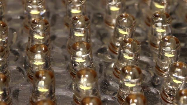 teller led's - led leuchtmittel stock-videos und b-roll-filmmaterial