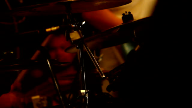 遊びのドラム ビデオ