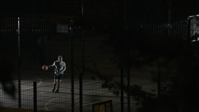 Player failing to score while playing basketball