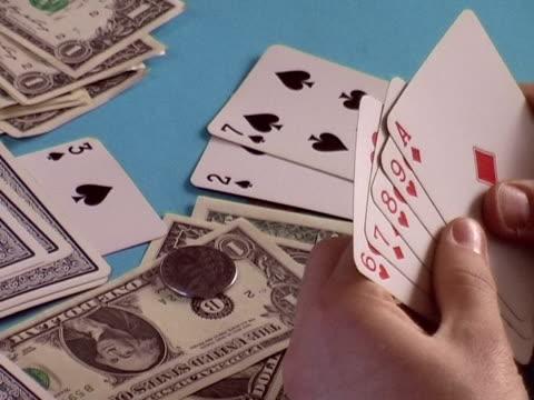 vídeos y material grabado en eventos de stock de un juego de tarjetas - accesorio financiero
