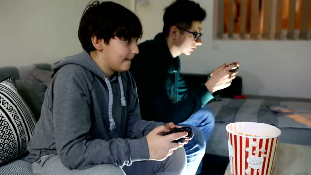playing game video