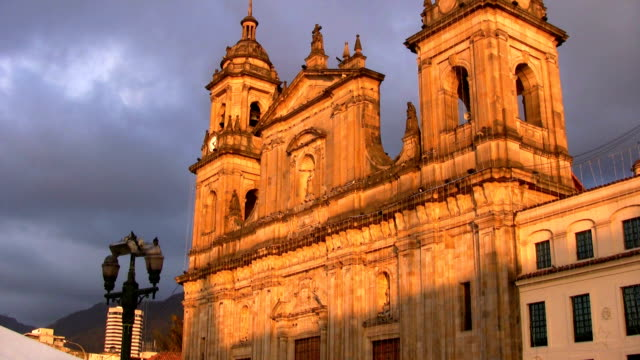 HD: Plaza de bolívar church - vídeo
