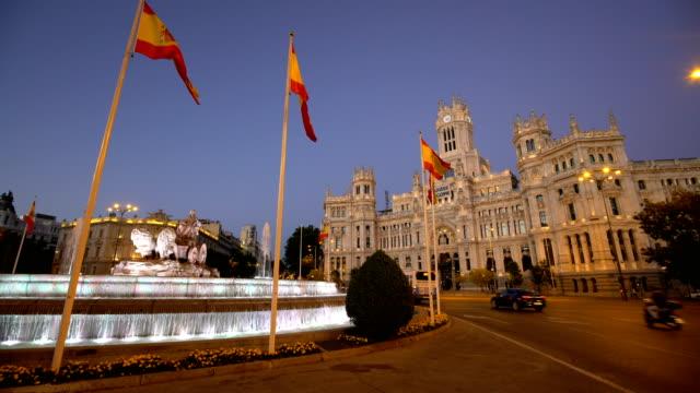 plaza de la cibeles in madrid - spanien stock-videos und b-roll-filmmaterial