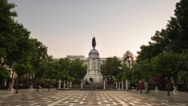 plaza nueva timelapse de dia a noche sevilla - молодой картофель стоковые видео и кадры b-roll