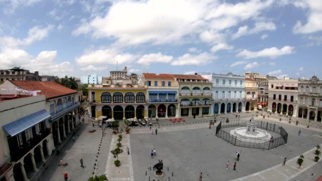 plaza vieja in havanna, kuba - havanna stock-videos und b-roll-filmmaterial