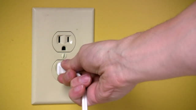 Plugging Socket In and Out video