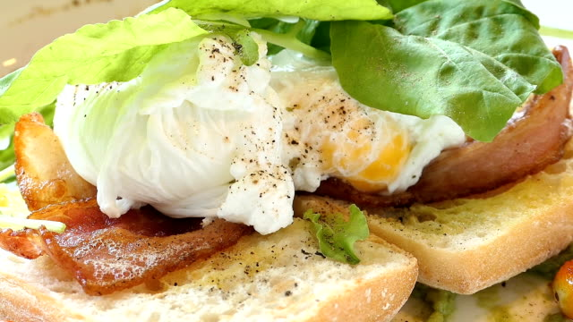Poached egg with avocado sauce video
