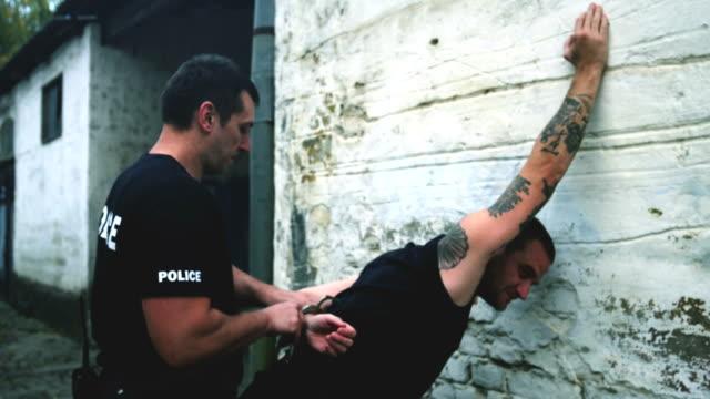 Police Arresting drugs dealer video