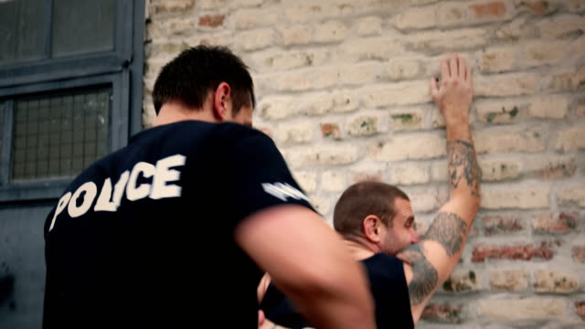 Police Arresting drugs dealer