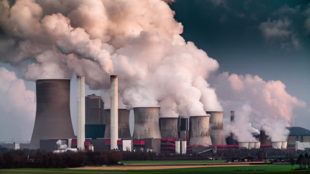 pollution from power plant - anidride carbonica video stock e b–roll