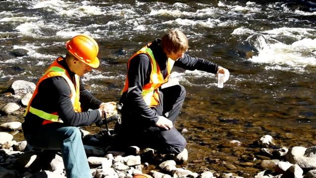 vídeos y material grabado en eventos de stock de polution de prueba - investigación científica