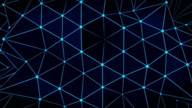 多角形の輝く青い表面。抽象的な 3 d レンダリング ループ - ローポリモデリング点の映像素材/bロール