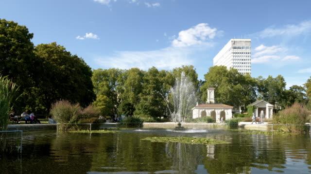 Teich in den italienischen Gärten in London Kensington Gardens – Video