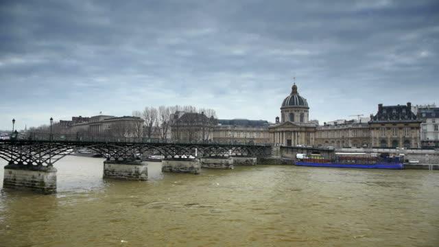 Pont des arts paris video