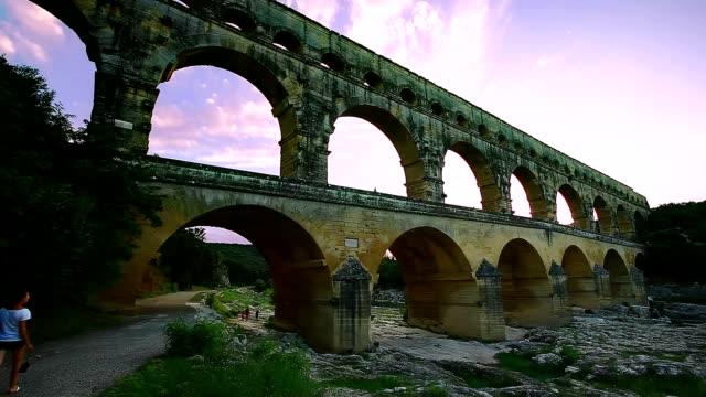 stockvideo's en b-roll-footage met pont du gard, provence, france - pont du gard