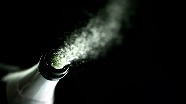 stockvideo's en b-roll-footage met pop the cork (super slow motion) - kurk