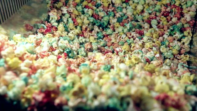 vídeos de stock, filmes e b-roll de pipoca máquina de pipoca - balde pipoca