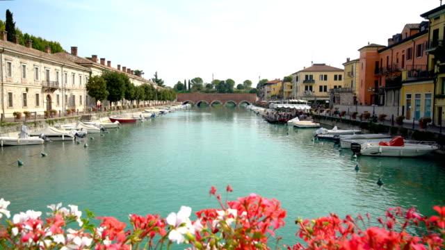 port of peschiera del garda - town near venice - lombardia video stock e b–roll