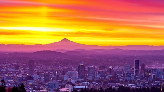Portland autumn foliage, Mt hood and sunrise time lapse with horizontal panning video