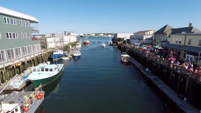 portland me turism harbor antenn fluga - kustlinje bildbanksvideor och videomaterial från bakom kulisserna