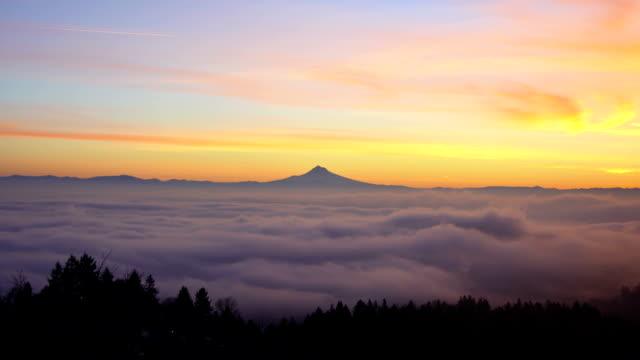 Portland, Oregon Sunrise with Mt. Hood - Timelapse