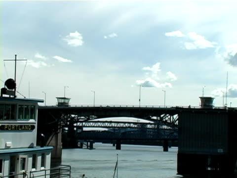vídeos de stock e filmes b-roll de vaporizador de portland - embarcação comercial