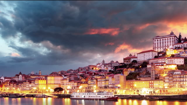 vídeos de stock e filmes b-roll de porto city - time lapse of sunset - douro