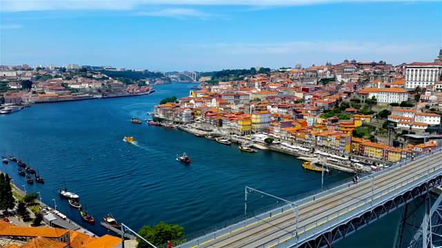 stockvideo's en b-roll-footage met porto old city - portugal