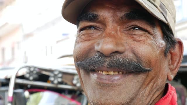 portrait of a driver - кепка стоковые видео и кадры b-roll