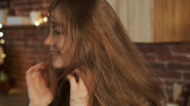 portrait of a young woman. happiness. close-up. - spettinato video stock e b–roll