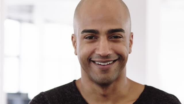 porträtt av skallig mogen affärs man - porträtt man bildbanksvideor och videomaterial från bakom kulisserna