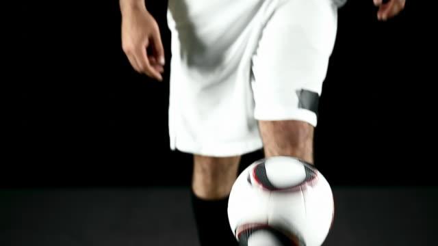 vídeos de stock, filmes e b-roll de retrato de confiança. - futebol internacional