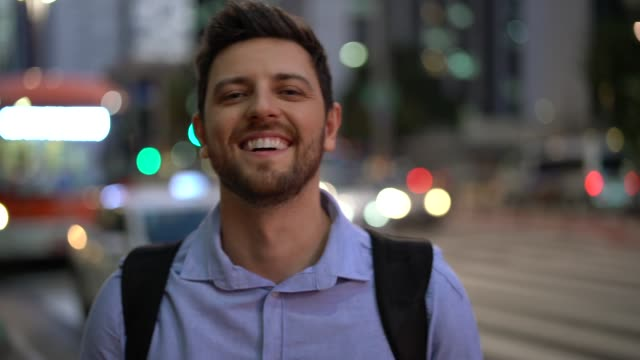 portrait of handsome man in the city - 30 34 anni video stock e b–roll